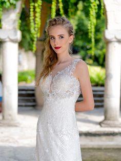 Celočipkované svadobné šaty s odhaleným chrbtom