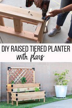 DIY Tiered Raised Garden Bed – VideoTutorial and Plans - Garten Ideen - So perfect! This DIY raised garden bed with legs and trellis is so easy to make. Diy Garden Furniture, Diy Furniture Plans Wood Projects, Diy Pallet Projects, Garden Projects, Furniture Ideas, Deck Furniture, Pallet Ideas, At Home Projects, Outdoor Pallet Projects
