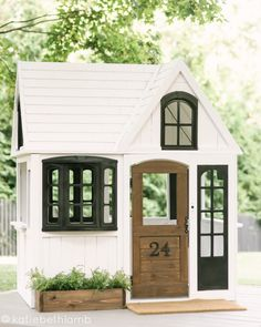 The best options to buy if you're planning a playhouse makeover, plus where to purchase them for the best price and design inspiration Girls Playhouse, Backyard Playhouse, Playhouse Ideas, Painted Playhouse, Backyard For Kids, Diy For Kids, Outdoor Projects, Home Projects, Floating Deck