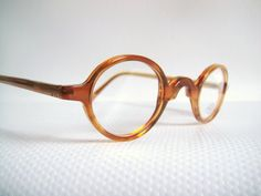 Eyeglass Frames For Small Round Face : 1000+ images about eyewear on Pinterest Oblong face ...