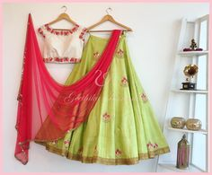 This Beautifully Lehenga design by Shree Impex will make you the star of this parties and Festivals. The Designer Lehenga Is perfect for Festivals, Wedding or any Cermonies. Its made from original clothing as per description. Half Saree Designs, Choli Designs, Lehenga Designs, Blouse Designs, Mehndi Designs, Indian Bridal Lehenga, Indian Sarees, Pakistani Bridal, Indian Attire