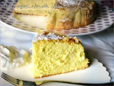 Torta della Savoia | ricetta dolce senza grassi e senza lievitoIngredienti 50 g di farina 00 50 g di amido di mais 150 g di zucchero semolato 4 uova grandi 1 limone non trattato zucchero a velo sale