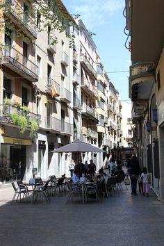 A walk in the sun through Girona