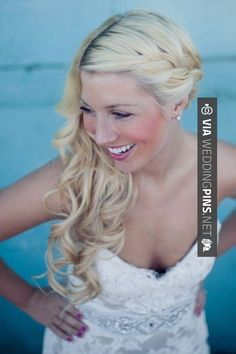 Wedding Hair Down Wedding Hair Inspiration: 12 Ways you can wear your long hair down to your wedding. - Wedding Hair Inspiration: 12 Ways you can wear your long hair down to your wedding. Wedding Hair Down, Wedding Hairstyles For Long Hair, Wedding Hair And Makeup, Bride Hairstyles, Pretty Hairstyles, Hair Makeup, Short Hairstyles, Wedding Nails, Hairstyle Wedding