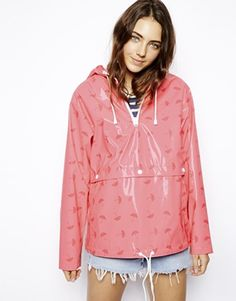 Buy ASOS Rain Cagoule In Umbrella Print at ASOS. With free delivery and return options (Ts&Cs apply), online shopping has never been so easy. Get the latest trends with ASOS now. Pink Raincoat, Raincoat Outfit, Hooded Raincoat, Zerfetzte Jeans, Summer Coats, Rainy Day Fashion, Asos, Kids Coats, Trench Coats