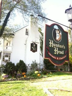 Hunter's Head Tavern sign and building taken by Adrian V., one of our Yelp diners.