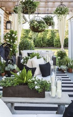 A lovely small garden can be the perfect place to cozy up in the evening or trap the sun's rays on summer days. #garden  #gardendesign  #gardenideas  #smallgardenideas