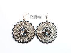 BLACK and SILVER ROUND Crystal earring #earrings #black #silver #jewelry #elegant #fashion #swarovski #crystal #beading #etsy #beads #dangle #handmade