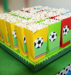 Barra de Dulces para este Mundial / Futbol/ ¡Apoya a tu equipo favo. Soccer Birthday Parties, Football Birthday, Sports Birthday, Soccer Party, Sports Party, 2nd Birthday, Childrens Party, Impreza, Party Themes