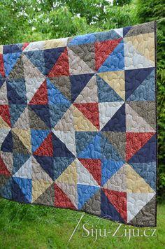 Half square quilt for man / Šiju-Žiju. Man Quilt, Square Quilt, Quilts, Blanket, Scrappy Quilts, Quilt Sets, Blankets, Log Cabin Quilts, Cover