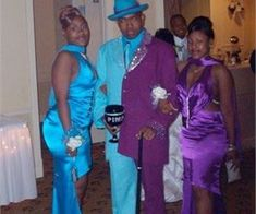 33 Prom Photos So Awkward You Can Actually Feel It