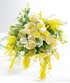 Bouquet Bridal: Acacia Yellow Wedding Bouquet