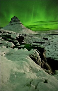Amazing Nature & Places Pictures), Aurora Borealis, Kirkjufell, Snæfellsnes Peninsula, Iceland(don't ask me how to pronounce that) Beautiful Sky, Beautiful Landscapes, Beautiful World, Beautiful Places, All Nature, Amazing Nature, 10 Picture, Iceland Travel, Natural Phenomena