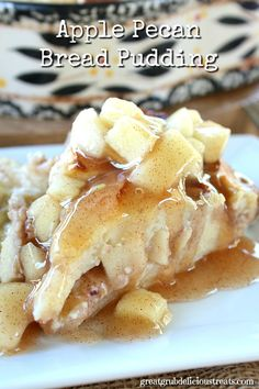 Apple Pecan Bread Pudding - This Apple Pecan Bread Pudding is so creamy and mouthwatering delicious! Topped with more apple cinnamon makes this perfect!