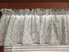 Cherries and Daisies Kitchen Valance ~ 42 Inches Wide by CheriesSewCrafty on Etsy