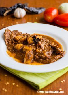 Bisteces en salsa de chile pasilla. Receta | Cocina Muy Fácil | http://cocinamuyfacil.com
