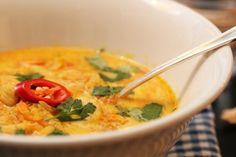 Indisk kyllingsuppe med eple, ingefær og chili - Indian Chicken soup with apple, ginger and chilli: The best chicken soup ever!