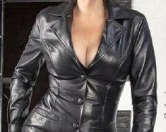 Etsy :: Jouw platform voor het kopen en verkopen van handgemaakte items Coloured Leather Jacket, Leather Jacket Dress, Leather Tops, Leather Jackets, Live Wallpaper Iphone, Gd, Trending Outfits, How To Wear, Etsy