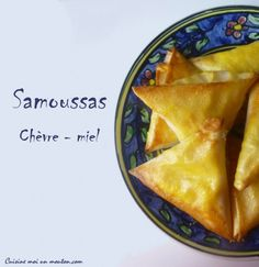 samoussas chèvre miel (and good instruction on folding) My Recipes, Holiday Recipes, Cooking Recipes, Healthy Recipes, Samosas, Fat Foods, Köstliche Desserts, What To Cook, Food Design