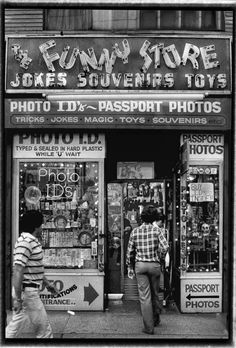 Jimi Giannatti, Funny Store Broadway), open Near Ave and St. Photo Tips, Old And New, Old School, Signage, Times Square, Broadway, Jokes, Nyc, York
