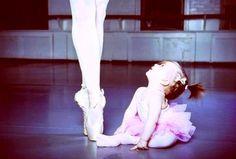 Ser mãe é ... ter uma perceira em todos os momentos da vida!   #ballet #mãe #filhos
