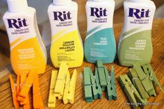 Grab some dye to get color on clothespins then add glitter in this no mess way. Yep dyed glitter clothespins quickly and easily with these instructions. Cute Crafts, Craft Stick Crafts, Crafts To Make, Crafts For Kids, Diy Crafts, Clothespin Crafts, Diy Projects To Try, Craft Projects, Craft Ideas