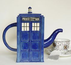 TARDIS Teapot for @Patricia Moore and @Debbie Vick !