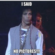 I just giggled! Prince Meme, Prince Gifs, My Prince, Prince Concert, Prince Paisley Park, Prince And Mayte, The Artist Prince, Pictures Of Prince, Dearly Beloved