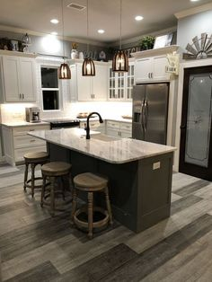 Industrial Farmhouse Kitchen – What Is It? The cabinets are likely to be white! Shaker kitchen cabinets are a favourite option in the modern kitchen remodels. Contemporary kitchen cabinets might be an… Kitchen Redo, Home Decor Kitchen, New Kitchen, Home Kitchens, Awesome Kitchen, Ranch Kitchen, Condo Kitchen, Kitchen Hacks, 1960s Kitchen