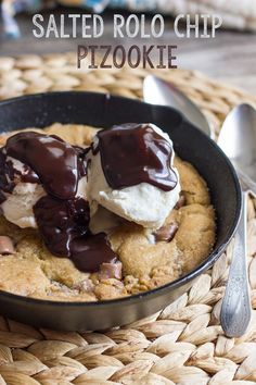 Warm skillet Salted Rolo Chip Cookie plus vanilla ice cream and hot fudge equals sweet, gooey, chocolatey perfection! Top Dessert Recipe, Best Dessert Recipes, Fun Desserts, Sweet Recipes, Delicious Desserts, Yummy Food, Salted Caramel Cookies, Homemade Chocolate Chip Cookies, Rolo Chocolate
