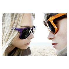Cara Delevingne and Jacob Young Model Burberry Brights Foldable... ❤ liked on Polyvore