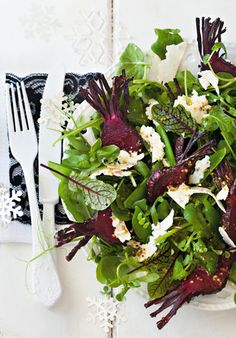 Honey baked beetroot salad with wholegrain mustard Healthy Recipes On A Budget, Healthy Options, Cooking Recipes, Garlic Salad Recipe, Salad Recipes, Baked Beetroot, Classic Salad, Baking With Honey, South African Recipes