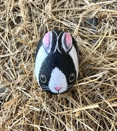 Rabbit Rock Paintings Made to Order Hand Painted Animal Bunny Painting, Pebble Painting, Pebble Art, Stone Painting, Painted Rock Animals, Painted Rocks Craft, Hand Painted Rocks, Rock Painting Patterns, Rock Painting Designs