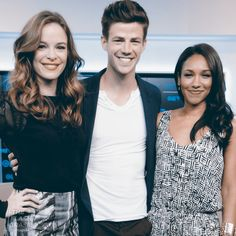 caitlin barry and iris Dc Comics Heroes, Marvel Dc Comics, Legends Of Tommorow, The Flash Grant Gustin, Candice Patton, Fastest Man, Flash Arrow, Best Actress, Supergirl