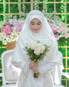 Kebaya Wedding, Muslimah Wedding Dress, Muslim Wedding Dresses, Muslim Brides, Wedding Hijab, Wedding Poses, Dream Wedding Dresses, Wedding Bride, Bridal Hijab