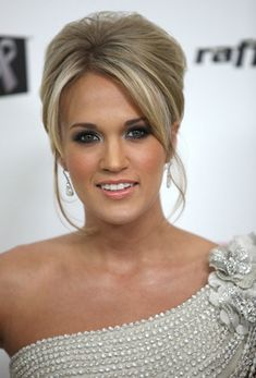 carrie underwood hairstyles 10