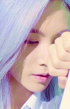 Jeonghan with his purple hair. Love it. He looks good in literally any color tho.