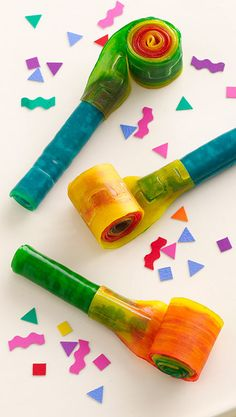 Party Time Whistle How-To ~ made with Fruit Roll Ups... Make these edible blowers for party favors or to decorate a cake or cupcake!