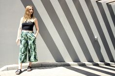 Crop Top, Culotte, Floral, Stripes, Fashion, Blogger  http://anotherlovely.de/fashion/floral-culotte-with-crop-top/
