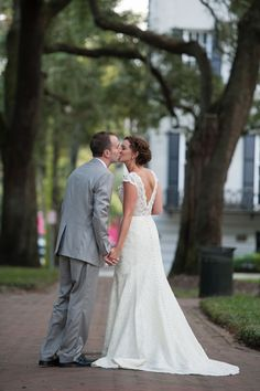 Savannah, Georgia Wedding from Alison Epps Photography  Read more - http://www.stylemepretty.com/georgia-weddings/savannah/2013/12/04/savannah-georgia-wedding-from-alison-epps-photography/