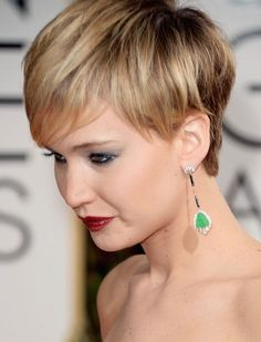 28 ideas hair styles short blonde jennifer lawrence for 2019 Edgy Haircuts, Layered Haircuts, Trendy Hairstyles, Bob Hairstyles, Jennifer Lawrence Blonde, Short Hair Cuts, Short Hair Styles, Long Hair Tips, Hair Color Highlights