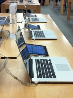 How Apple Store Seduces You With the Tilt of Its Laptops. The answer to better sales by Apple is 70°!