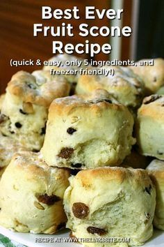 This is my favourite fruit scone recipe; I make them all the time and keep a batch in the freezer for a quick breakfast on the go! This is my favourite fruit scone recipe; I make them all the time and keep a batch in the freezer for a quick breakfast … Scones Aux Fruits, Fruit Scones, Breakfast Scones, Cheese Scones, Blueberry Scones, Lemon Scones, Best Scone Recipe, Sweet Scones Recipe, Simple Scone Recipe