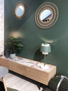 77 idées de décorations de salon pour s'inspirer et réussir la déco de son salon Home Design, Design Salon, Interior Styling, Interior Design, House Windows, Home Furnishings, Home Furniture, Family Room, Sweet Home
