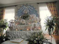O trono do Divino Espírito Santo.