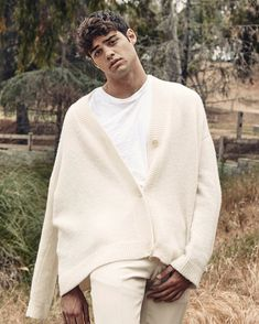 nyc i love you noah centineo Lara Jean, Photography Poses For Men, Perfect Boy, White Boys, Hollywood Actor, Handsome Boys, American Actors, My Boyfriend, Cute Guys