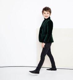 Zara Dresses Up Children At Christmas - Petit & Small