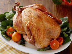 No-Baste, No-Bother Roasted Turkey Recipe : Trisha Yearwood : Food Network Turkey In Oven, Cooking Turkey, Turkey Food, Turkey Prep, Cooking Ham, Cooking Pasta, Roast Turkey Recipes, Chicken Recipes, Tempura