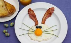 easter bunny breakfast...directions for this holiday breakfast included on link