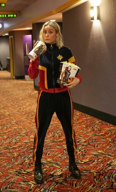Brie Larson Wore a Captain Marvel Tracksuit to Surprise Some Very Lucky Fans on Opening Weekend — People Superhero Costumes Female, Superhero Movies, Costumes For Women, Marvel Women Costumes, Brie Larson, Thor, Marvel Dc, Marvel Actors, Marvel Funny